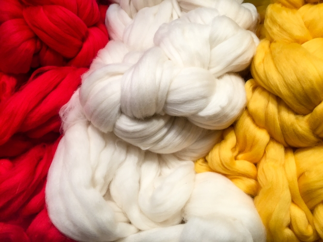 Dyed wool roving